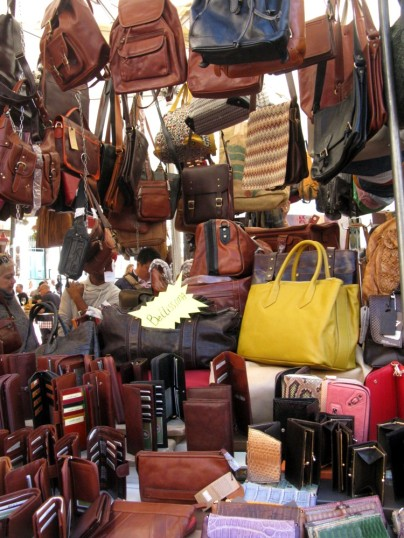 Bags and leather goods - Made in Italy.