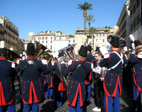 Band playing in the Piazza di Spagna