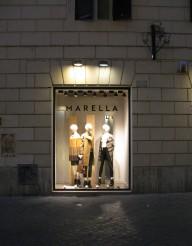Marella by night - windowshopping!