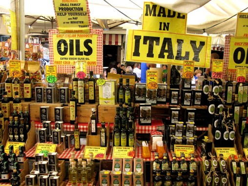 Oils from Italia at Camp dei Fiori market
