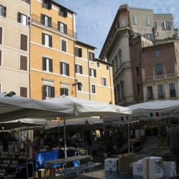 Afternoon shopping at Campo dei Fiori market