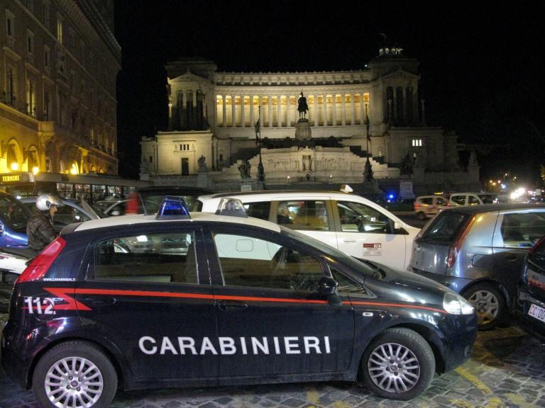 Vittorio Emanuele and carabinieri