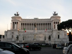 Vittorio Emanuele II Monument, Piazza Venezia