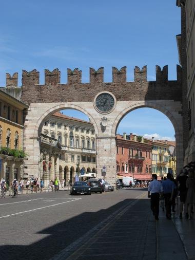 Portoni della Bra, city entrance