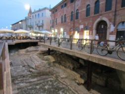 Roman excavations, Porta Leoni