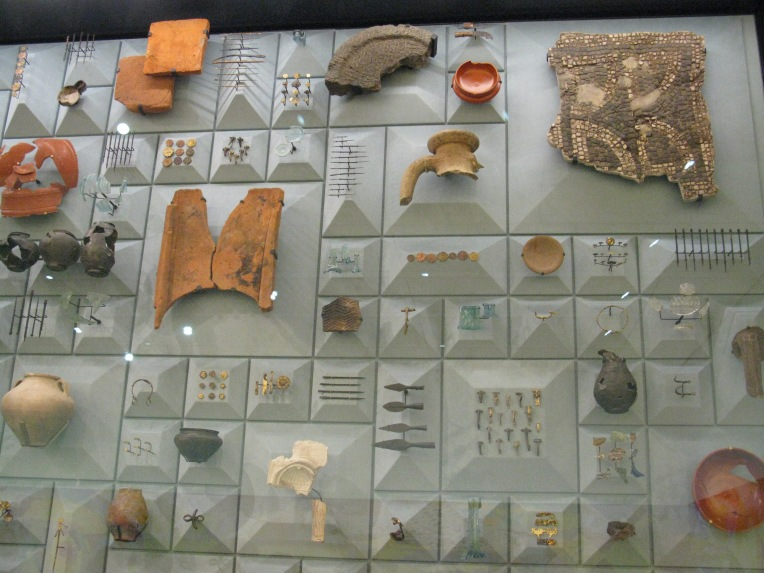 Artefacts found on the temple site