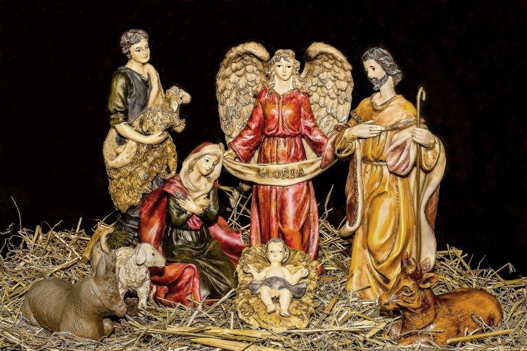christmas-crib-figures-1903954_1920