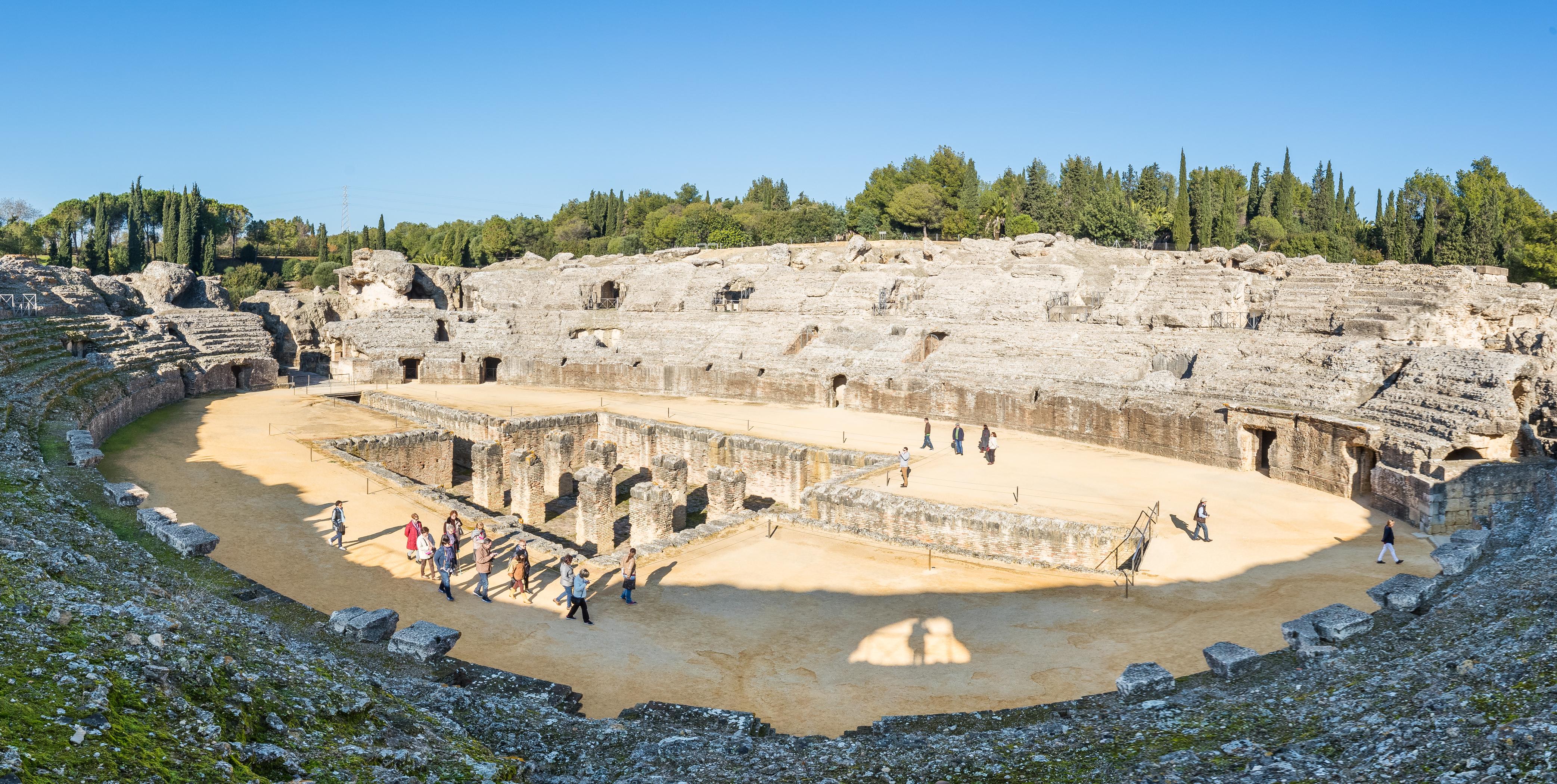 anfiteatro_de_las_ruinas_romanas_de_itc3a1lica2c_santiponce2c_sevilla2c_espac3b1a2c_2015-12-062c_dd_26-29_pan