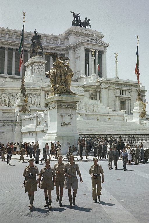 Entry_of_Allied_Troops_Into_Rome,_5_June_1944_TR1848