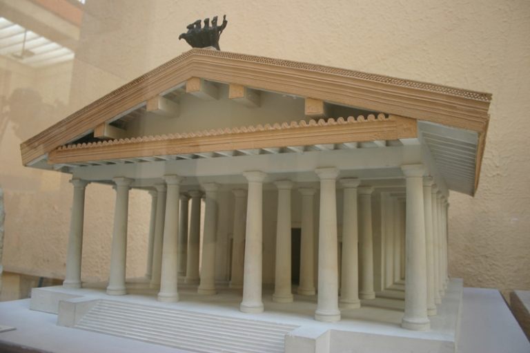 Temple of Jupiter (Image Hiro-o Japanese Wikipedia)